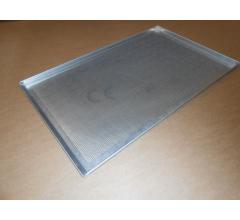 Pečný plech 750 x 460 mm, síla 2,0 mm, AlMn, děrovaný, okraj 3x90/45 s pertlem
