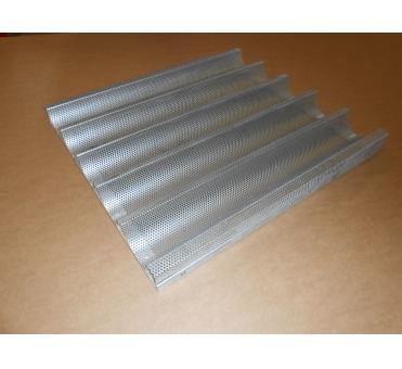 Bagetový pečný plech 630 x 560 mm, 5vl, síla 1,0 mm, AlMn, děrovaný, délka vlny 630